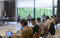 Alfonso  Rueda, na  presentación do  programa para a modernización de establecementsos.