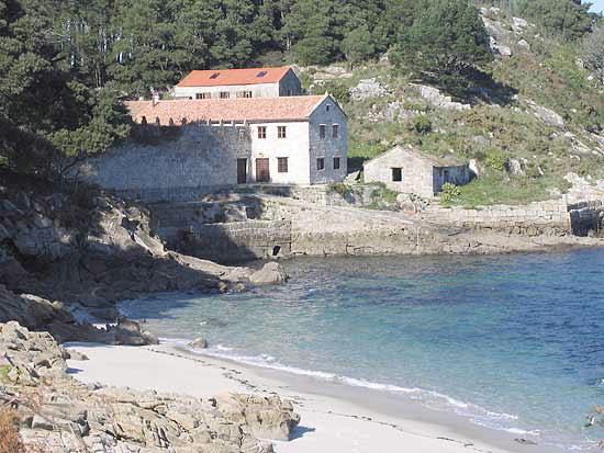 Turismo rural casa de couso en cangas pontevedra galicia - Casas moviles en galicia ...