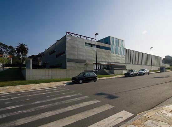 Arquitectura de vanguardia arquivo e biblioteca do campus - Arquitectura de interiores coruna ...