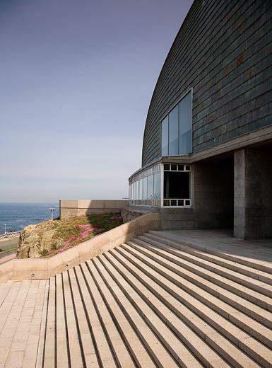 Arquitectura de vanguardia domus casa del hombre en a - Arquitectura de interiores coruna ...