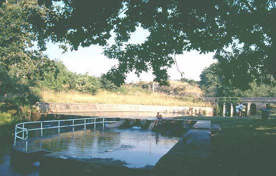 Rea de recreo piscina fluvial de pozo negro en cerdedo cotobade pontevedra galicia - Piscinas en pontevedra ...