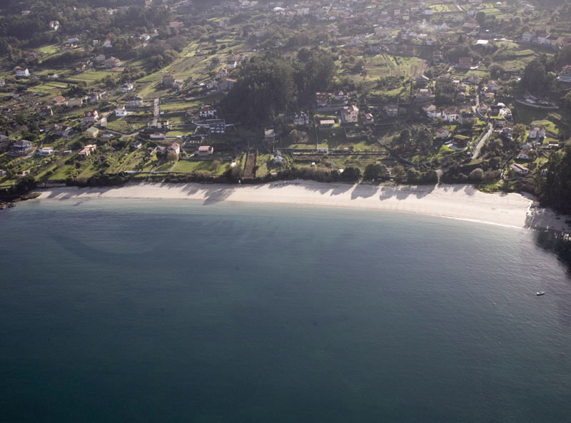 Playa arneles en cangas pontevedra galicia - Donde alojarse en galicia ...