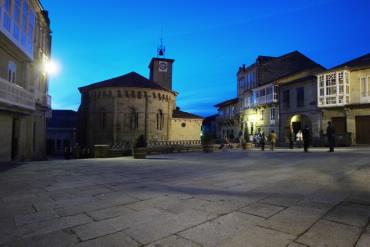 Church of Santiago and Plaza Mayor - Allariz