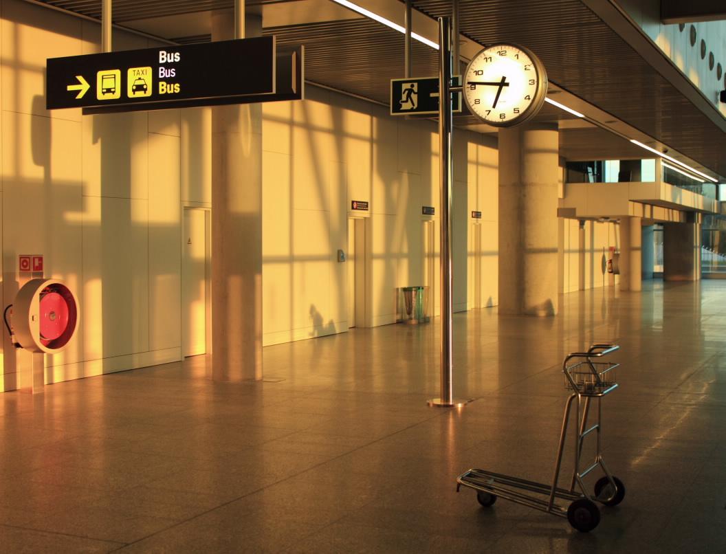 Arquitectura de vanguardia nova terminal de lavacolla en - Arquitectura de interiores coruna ...