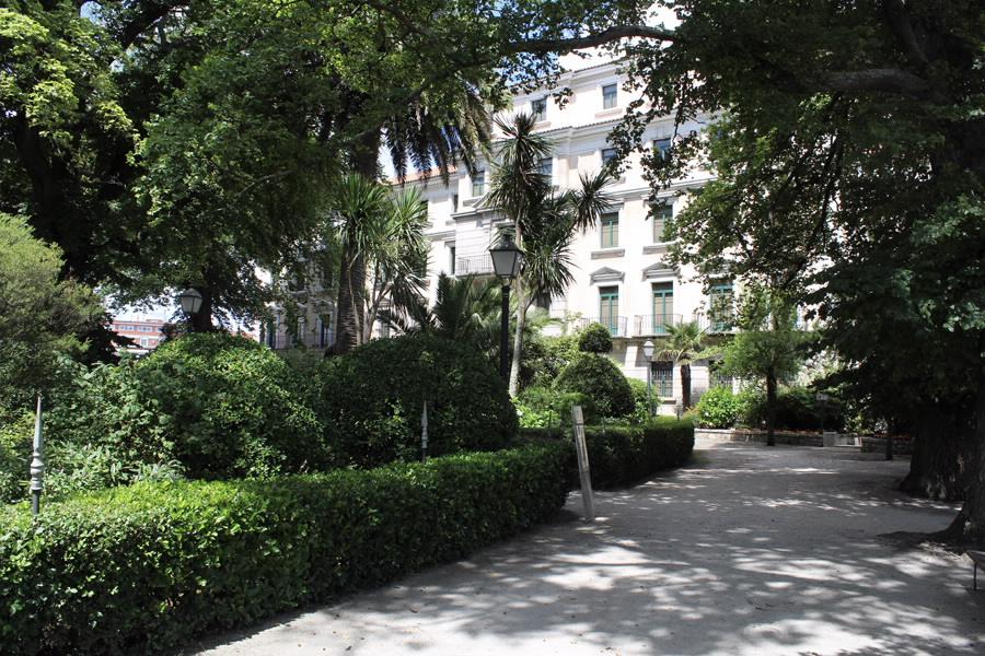 Jardin xard n de san carlos a coru a a coru a galice for Jardin 81 san carlos