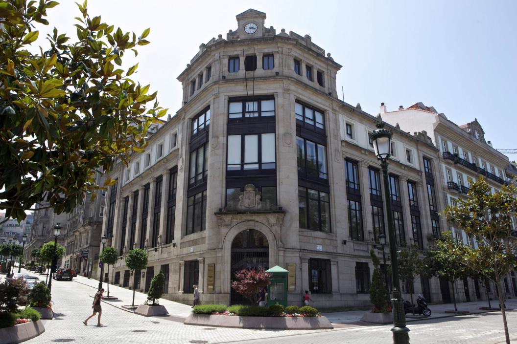 Edificio singular casa de correos y tel grafos de vigo en for Casa planta vigo