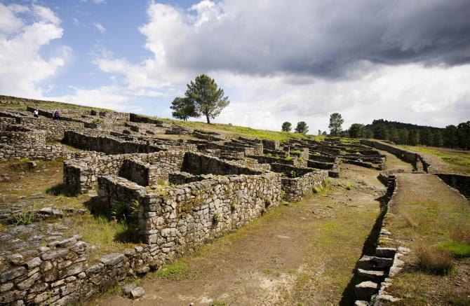 San Cibrao de Las fortified pre-Roman Iron Age village