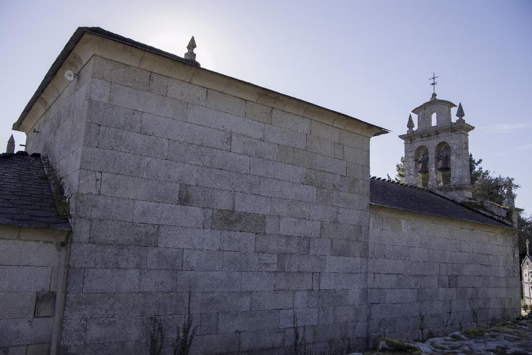 Iglesia igrexa parroquial de san xillao de vilach de mera for Fabrica de granito en santiago