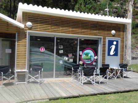 Municipales oficina municipal de turismo de dumbr a en for Oficina turismo galicia